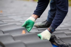 5 things to consider when hiring a roofer - Bauerle Roofing Indianapolis