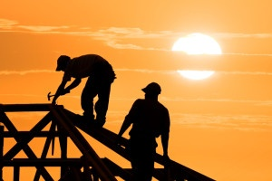 the benefits of hiring local Indianapolis roofers