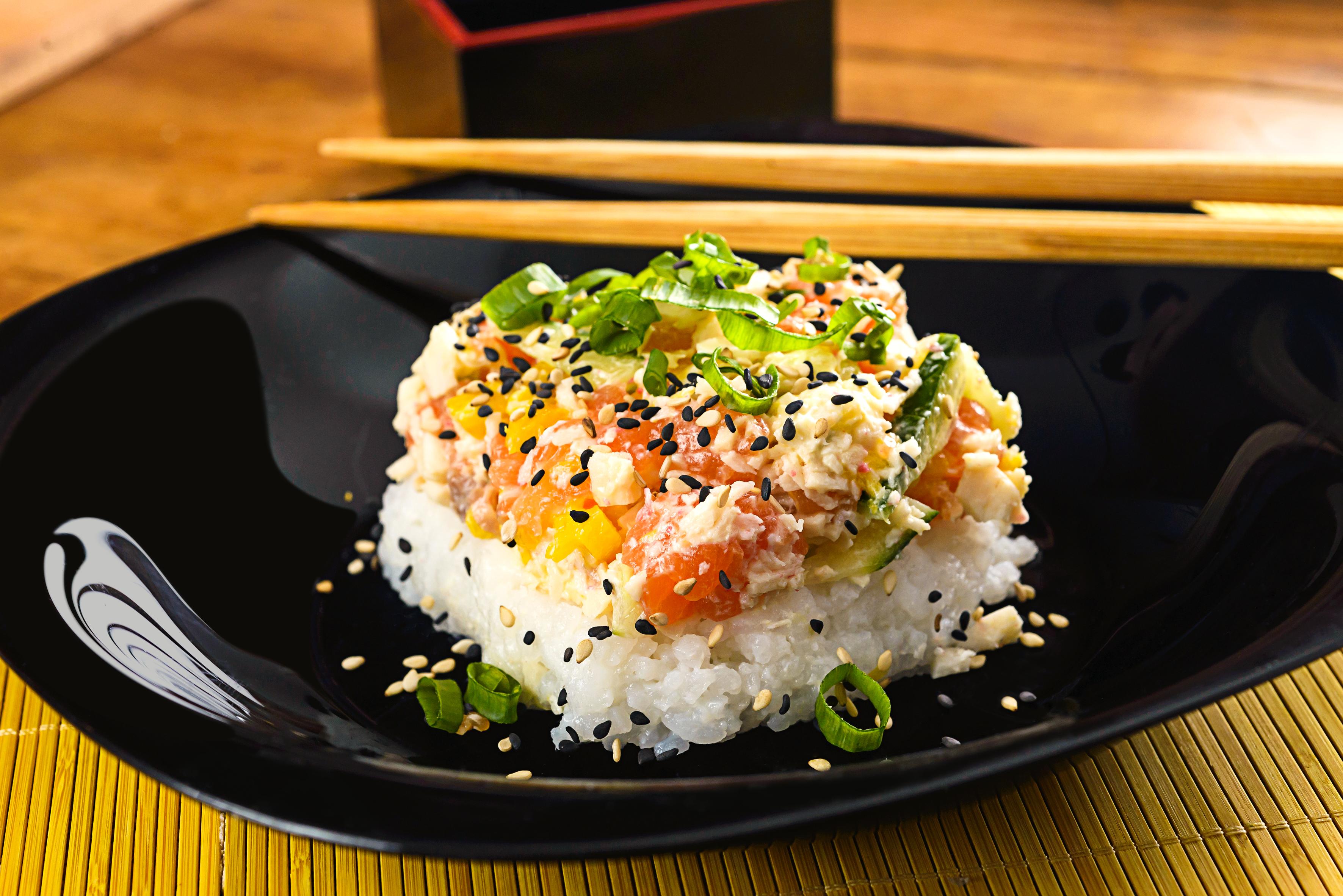 sushi bowl on rice